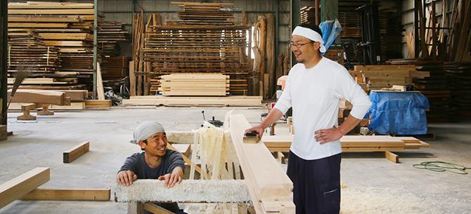 岡部材木店スタッフの画像